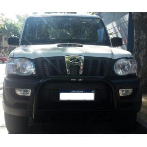 Defensa Negra Mahindra Pick Up