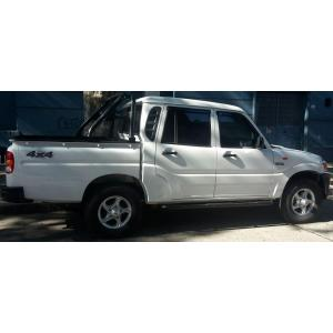 Estribos Negros Mahindra Pick Up